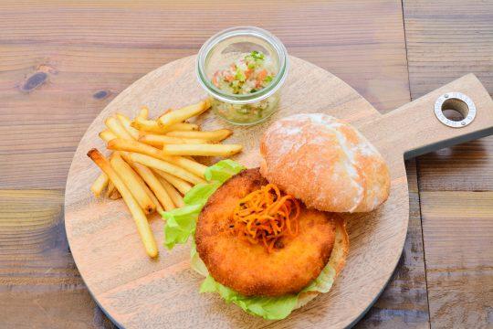 沖縄のハンバーガー文化がハンパない!