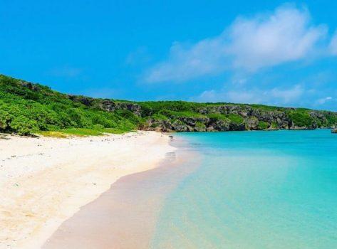 沖縄の素敵な砂浜