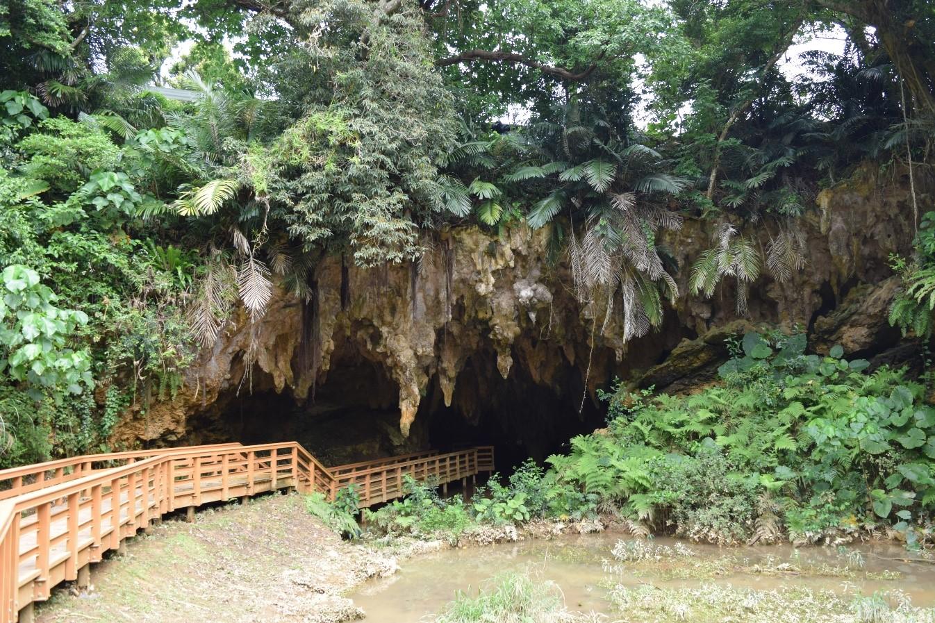 松田鍾乳洞メーガー洞と周辺史跡めぐり