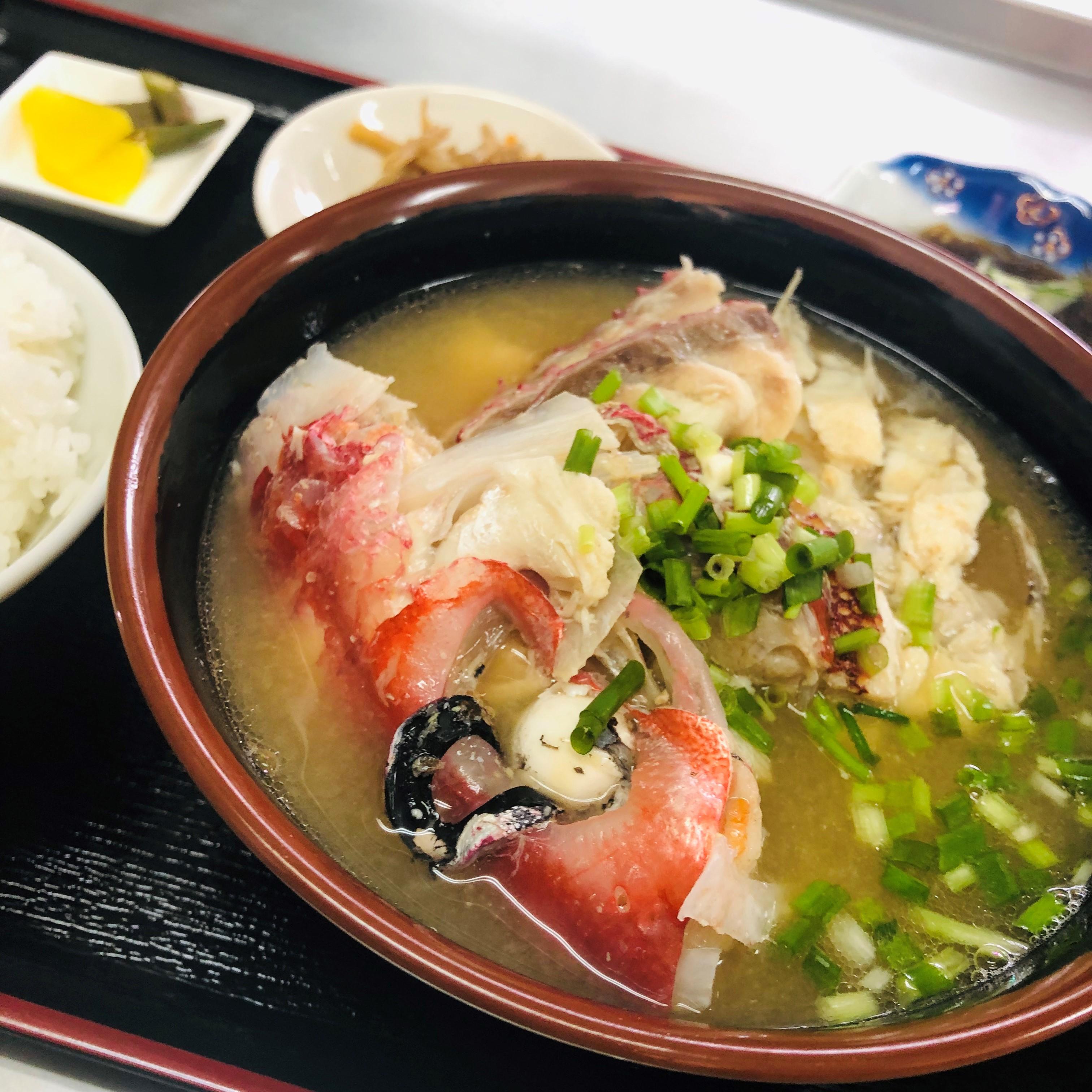 魚好きも大満足の味とボリューム!「魚汁定食」