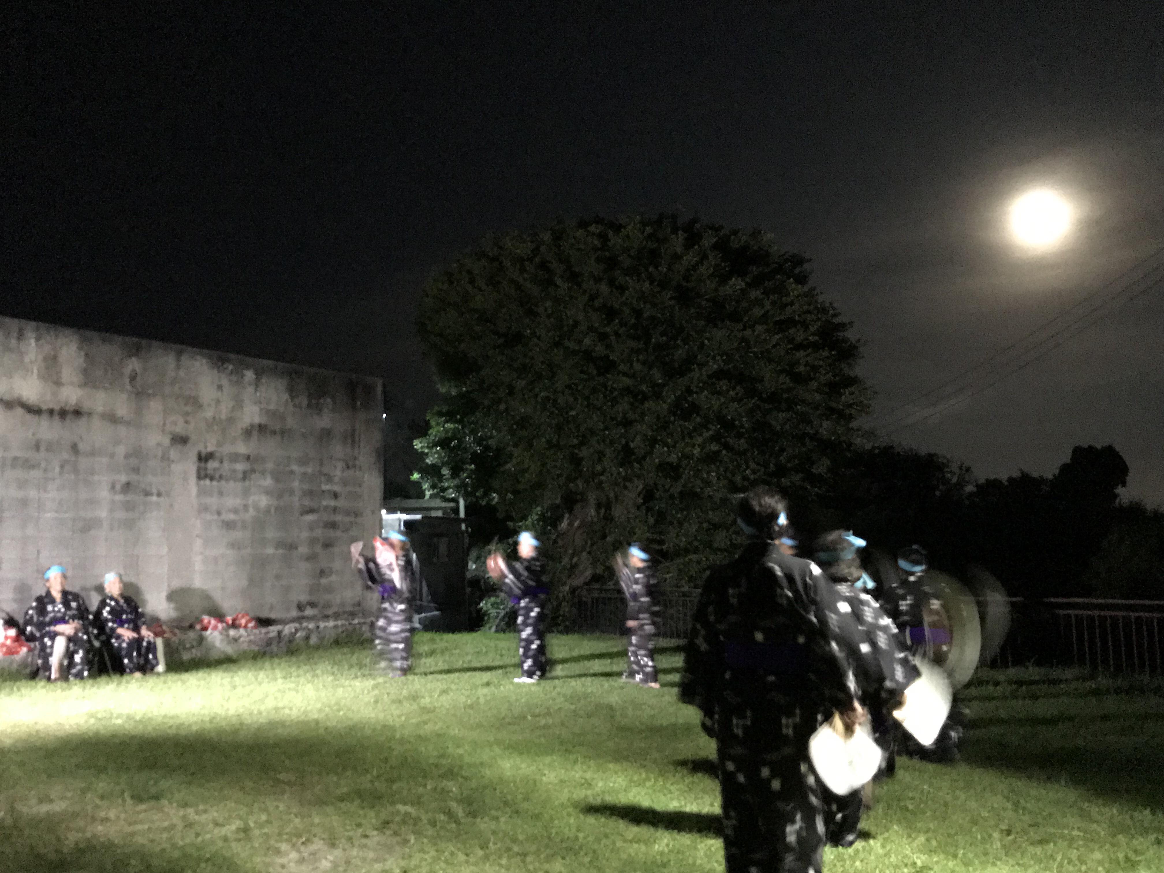 宮城ウスデーク 舞踏とと満月が美しい