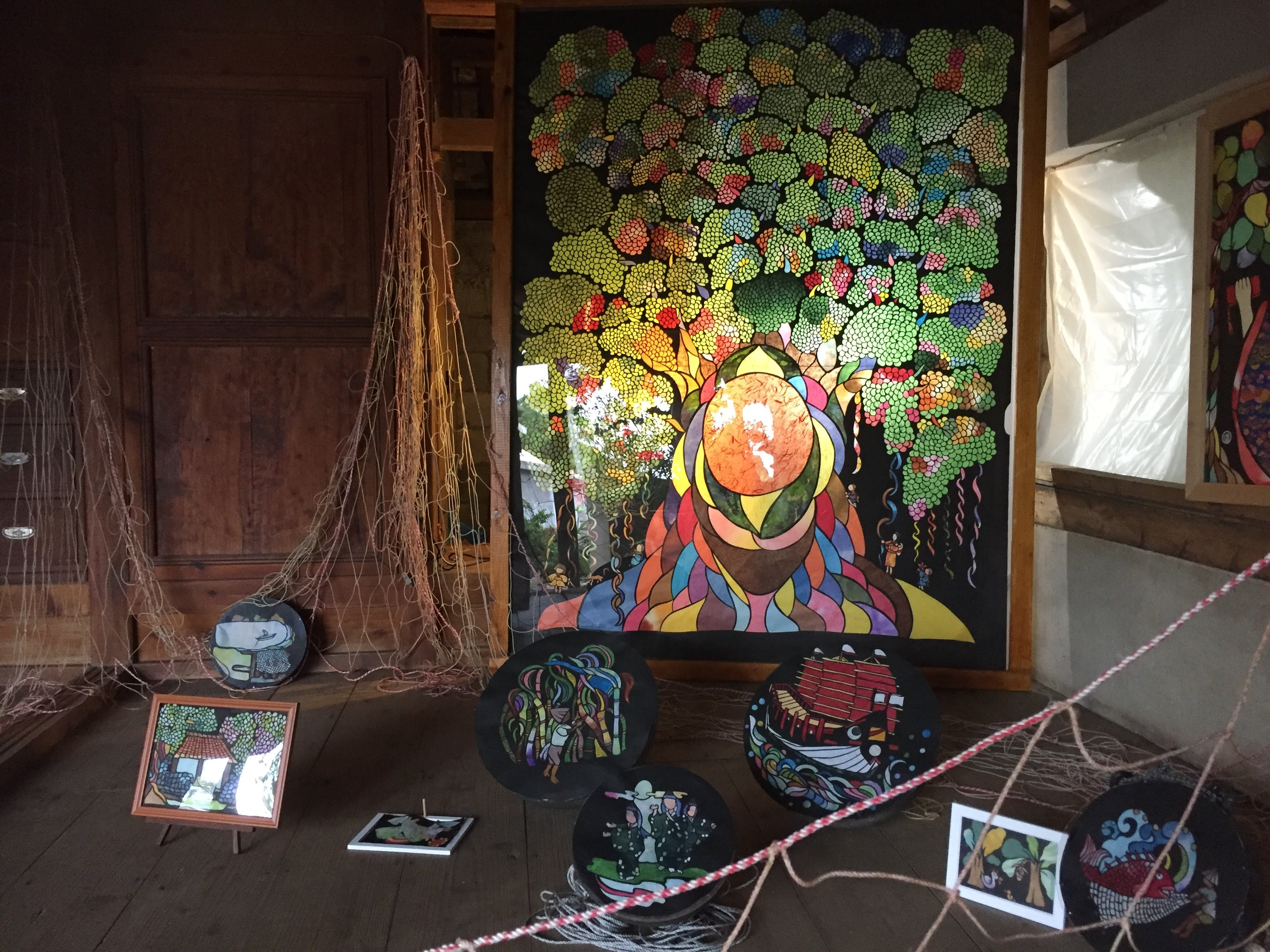 前回は島の廃校、空き家、植物などのアート作品②