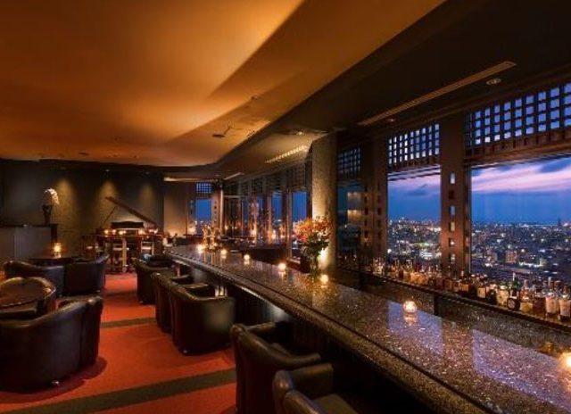 ダブルツリーbyヒルトン那覇首里城の最上階20階にある「サンセットラウンジ」