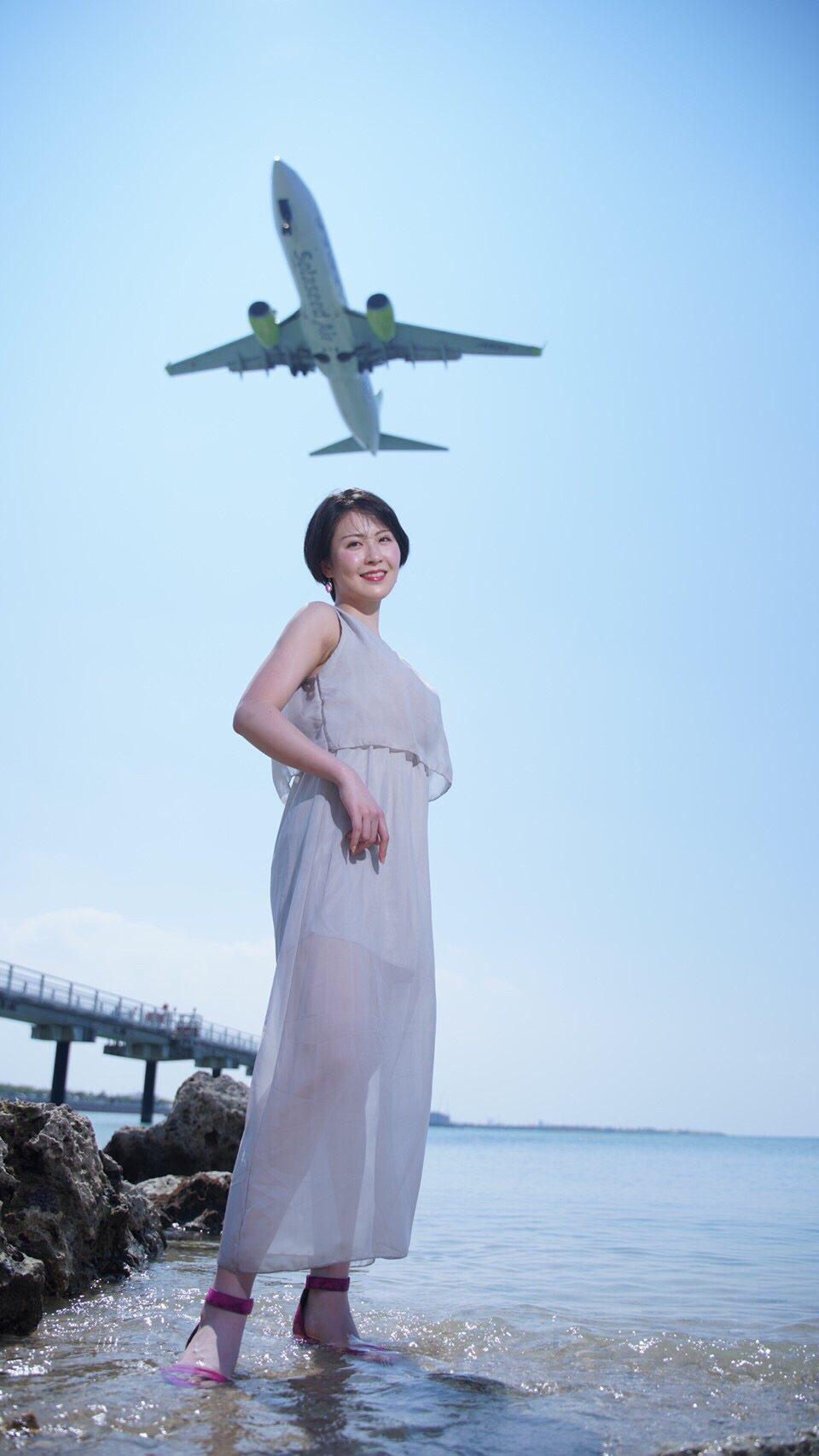 瀬長島ウミカジテラスの人気スポットで飛行機と