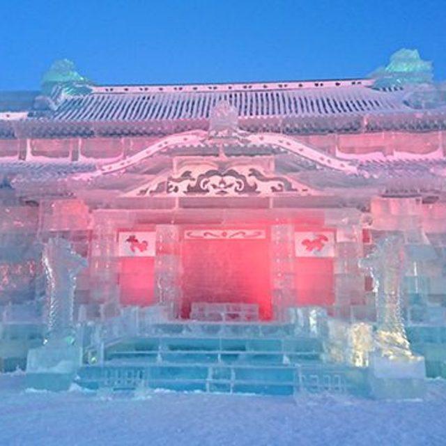 氷の首里城正殿