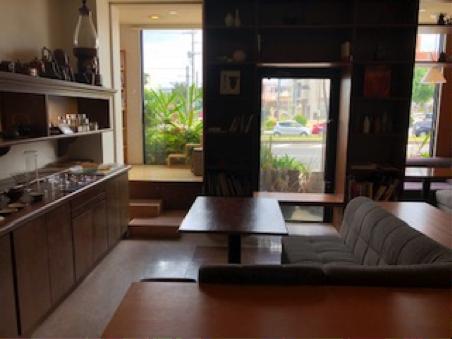 「珈琲専科LOOP」のソファー席