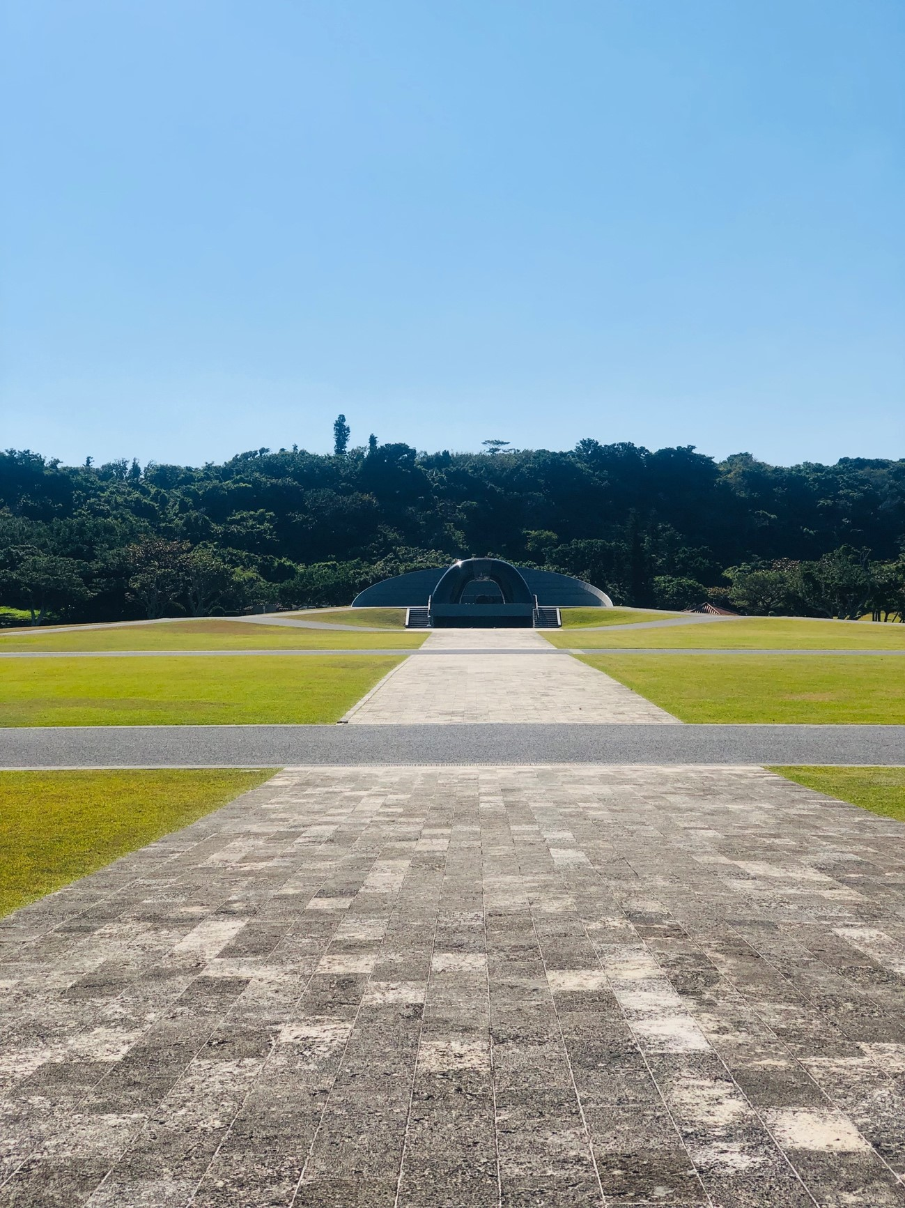 沖縄県糸満市「平和祈念公園」のモニュメント