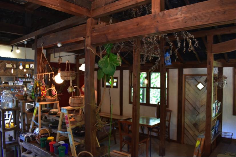 沖縄県名護市屋我地島にある古民家カフェ「CALiN(カラン)」手土産の販売