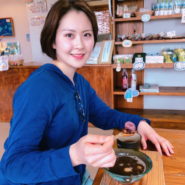久高島フェリー待合所で「島豆のホットぜんざい」をいただきました