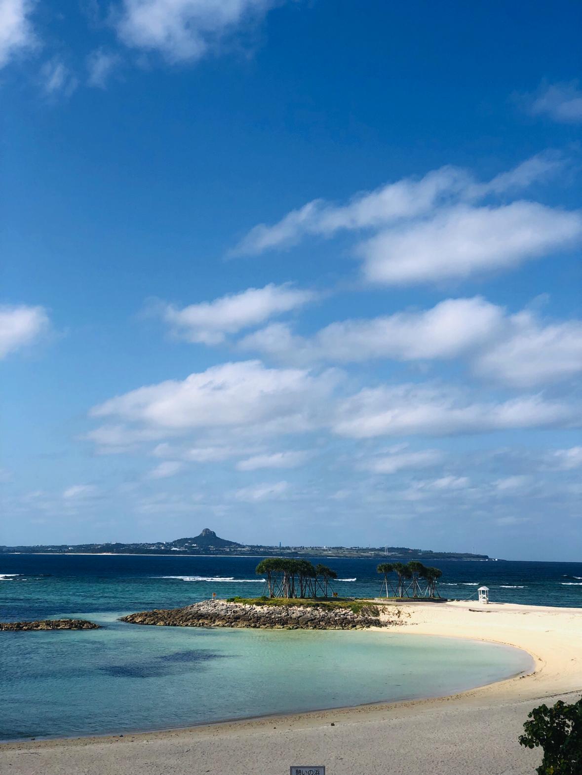エメラルドビーチと伊江島タッチュー